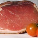 Nakládání masa na uzení. Jak na šťavnatější a chutnější maso?
