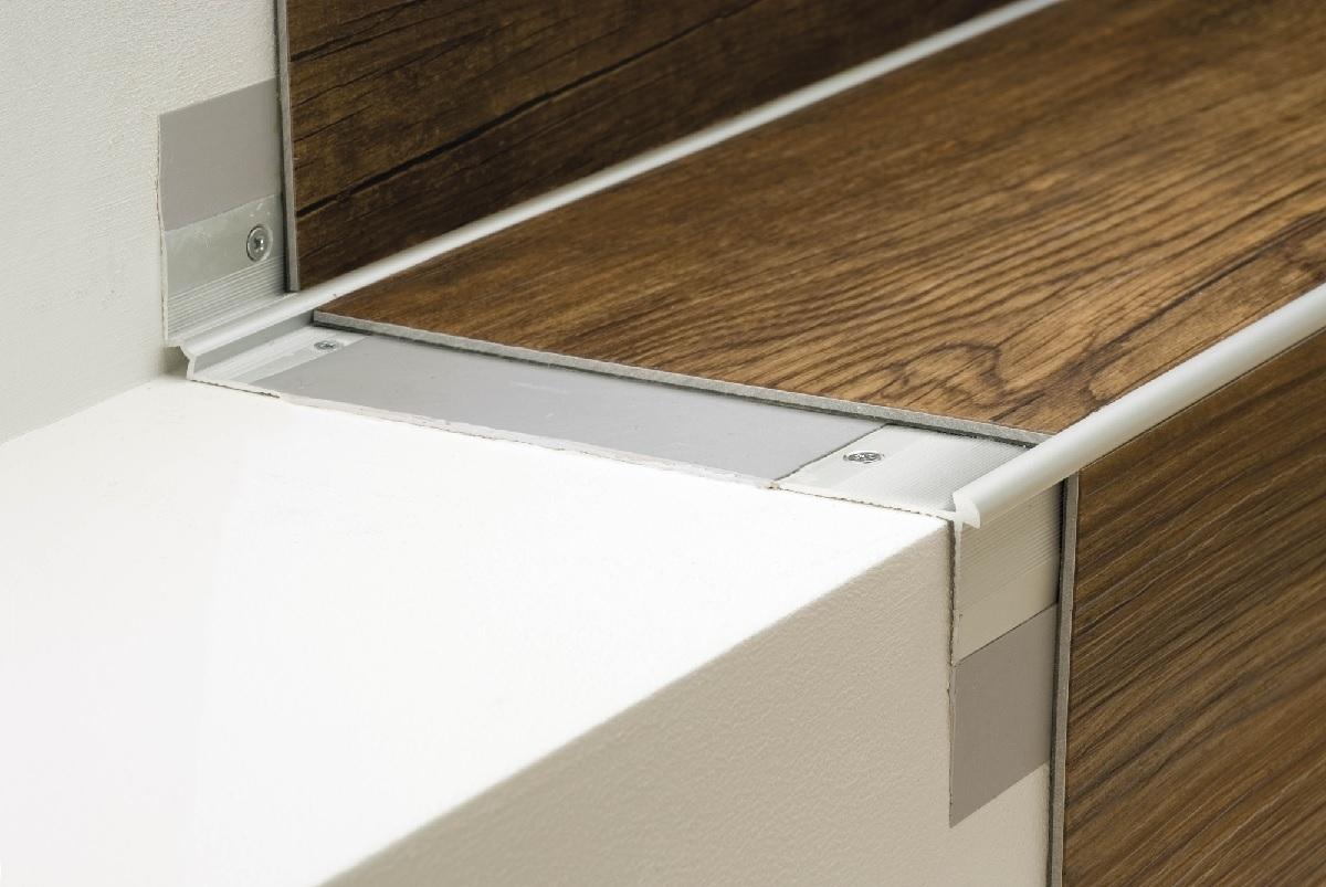 p echodov li ty profily a hrany schod pro podlahy. Black Bedroom Furniture Sets. Home Design Ideas