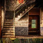 Jak probíhá renovace schodů svépomocí? Poradíme vám, jak neudělat chybu.