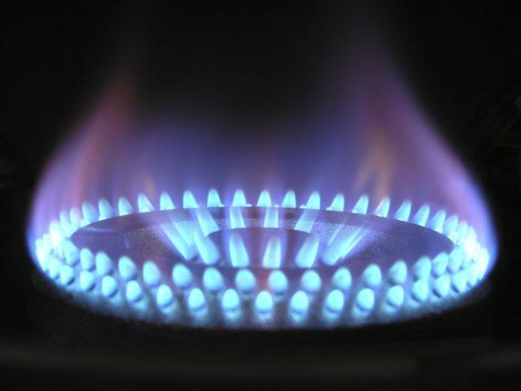 srovnání plynu a elektřiny