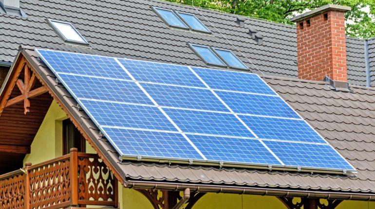 solární panely_dům
