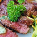 Jak naložit maso na grilování