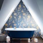 Samolepící tapety oživí vaši koupelnu