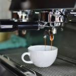 Jak odvápnit kávovar krok za krokem