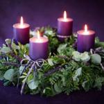 Vánoční adventní věnec na stůl – Jak vyrobit + Inspirace